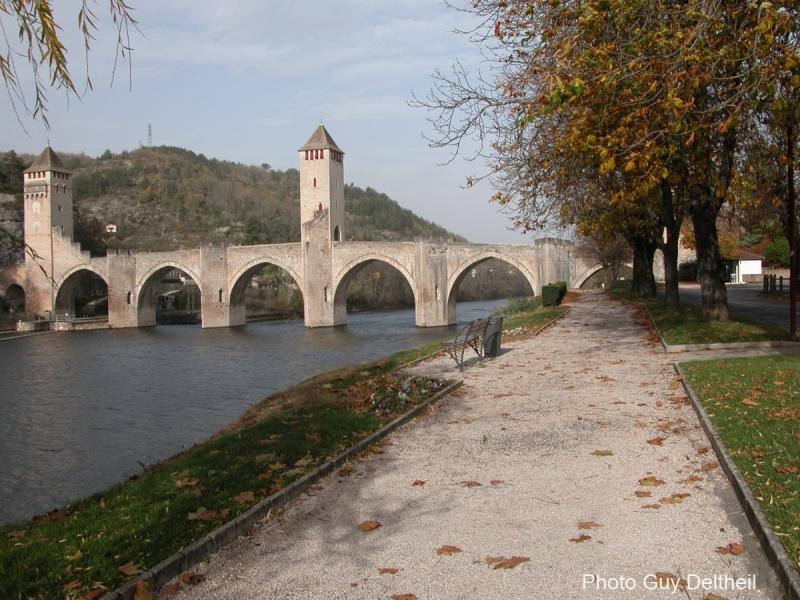 Pont-Valentré-0023