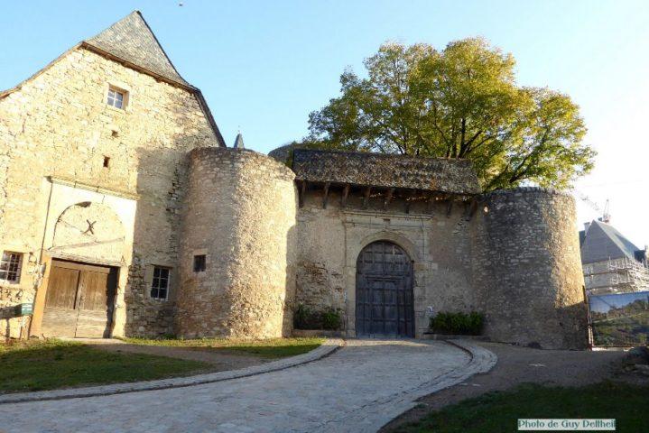 Aveyron-Château de Bournazel.