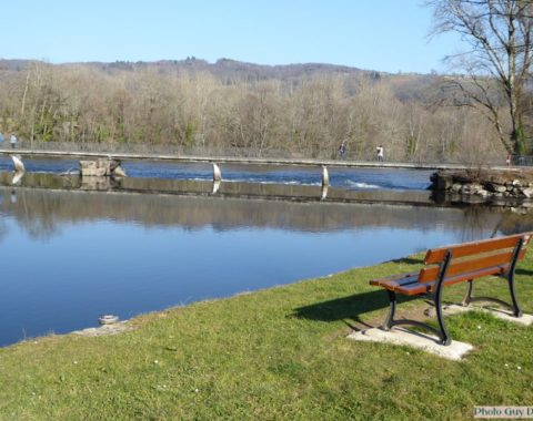 Beau-lieu-sur-Dordogne-La ville basse- les quais