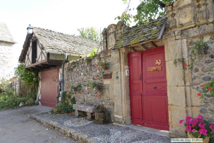 Aveyron-Ste Eulalie d'Olt-Le Château